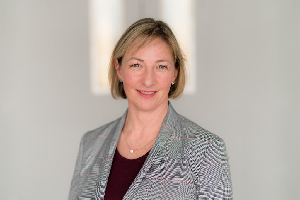 Suzanne Ewing